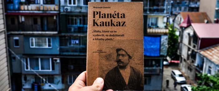 Rubrika s knihami na cestách  – Planéta Kaukaz a Impérium.