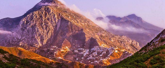 Reportáž z gréckeho ostrova Karpathos. Podmanivá večera v dedinke Olympos.